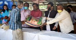 বনপাড়া পৌরসভায় ৬ শ' কর্মহীন মানুষের মাঝে খাদ্য সামগ্রী বিতরণ