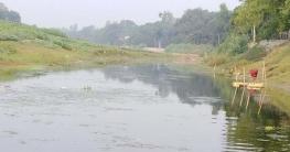 খরস্রোতা বড়াল এখন পানিশূন্য