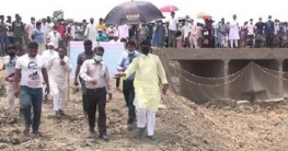 নলডাঙ্গায় খাল পুনঃখননের কার্যক্রম পরিদর্শন করেছেন এমপি শিমুল