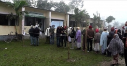 গুরুদাসপুর পৌরসভায় শান্তিপূর্ণ ভোটগ্রহণ চলছে