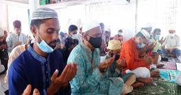 বাগাতিপাড়ায় নিজ গ্রামের মসজিদে ঈদের নামাজ আদায় করলেন এমপি বকুল