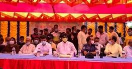 নাটোরে শারদীয় দুর্গোৎসবে প্রধানমন্ত্রীর শুভেচ্ছা উপহার বিতরণ