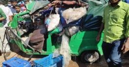 নলডাঙ্গায় পৃথক দুটি সড়ক দুর্ঘটনায় সাত জন আহত
