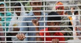 বাগাতিপাড়ায় পিইসি পরীক্ষা দিতে ২ঘণ্টা দাঁড়িয়ে প্রতিবন্ধী মহিবুল