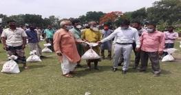 নলডাঙ্গায় অটো ও রিকশা চালকদের মাঝে খাদ্য সহায়তা বিতরণ
